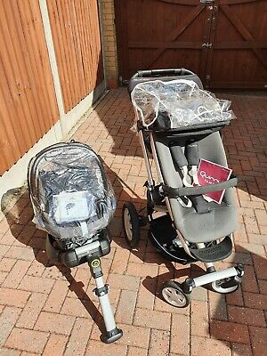 £150 • Buy Quinny Buzz 4 Pushchair And Maxi-Cosi Car Seat With Isofix Base Travel System