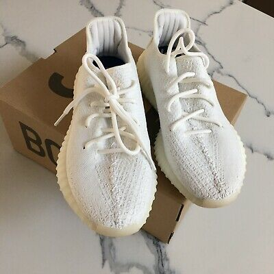 AU419 • Buy WHITE YEEZY 350 SIZE US8 (Only Worn Once)