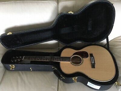 AU910 • Buy Larrivee OM-03 Mahogany Acoustic Guitar Made In USA In Original Hardshell Case