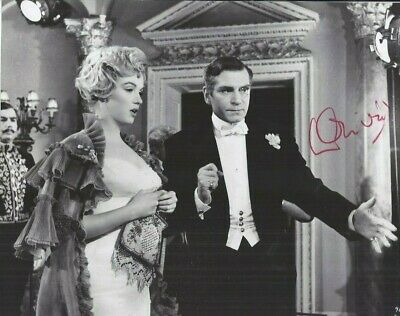 LAURENCE OLIVIER Signed Photo 7.5x9.25 M MONROE The Prince And The Showgirl COA • 97.94£
