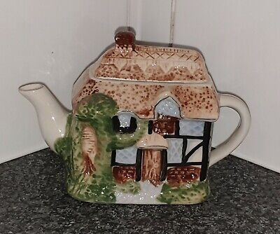 Small Novelty Collector's Cottage Teapot • 6.10£