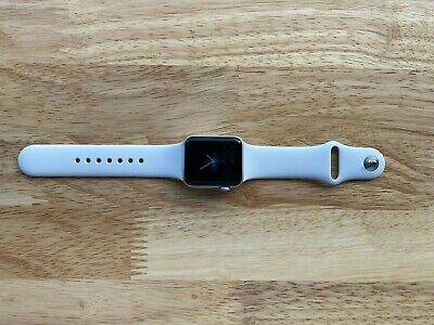 $ CDN229.97 • Buy Apple Watch Series 3 38mm GPS Silver Aluminum Case With White Sport Band