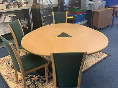 SKOVBY Extending Oak Table & 6 Chairs , Round Furniture Table And Chairs • 850£