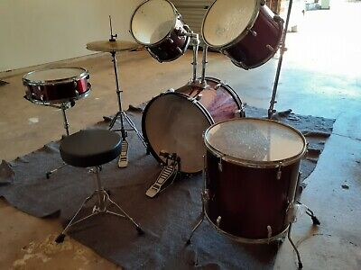 AU284 • Buy Dxp 'pioneer' Series Acoustic Drum Kit With Stool & Cymbals In Wine Red
