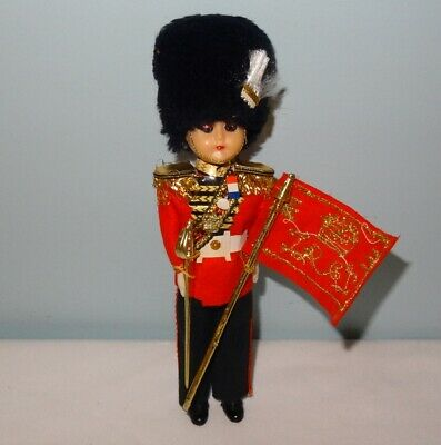 Souvenir Doll 8  Queen's Royal Guard Beefeater Hat Sword Flag  • 3.03£