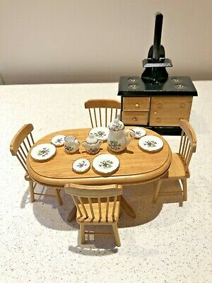 Dolls House 1/12 Kitchen Furniture Table Chairs Range Stove Cooker H498 • 5.99£