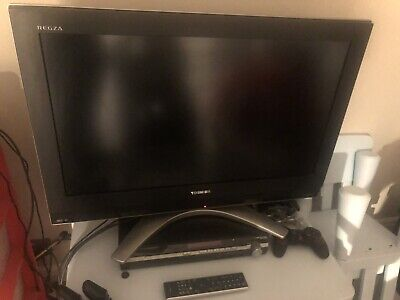 32  Toshiba Regza Tv With Remote, Stand And Power Lead. • 25£