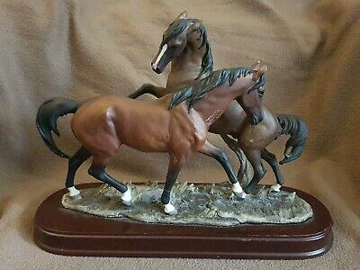 Stunning Two Horse Statue By Leonardo Collection  • 24.95£