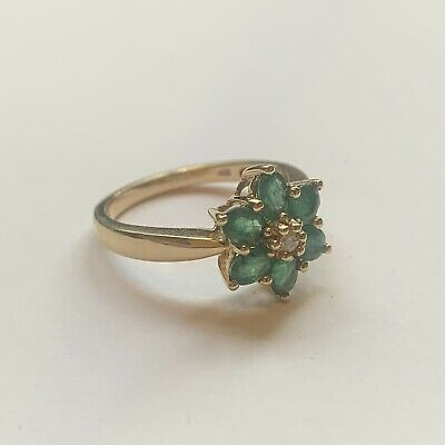 14ct Yellow Gold Ring Set With Colombian Emeralds And A Diamond Size N • 250£