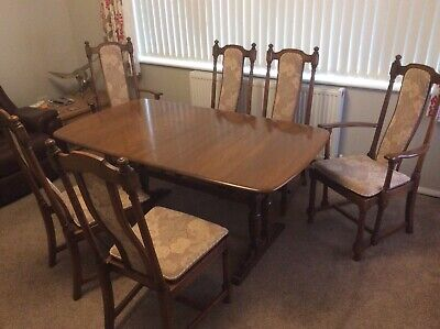 Ercol  Golden Dawn Extending Table & 6 Ercol Hampton Chairs Including 2 Carvers • 400£