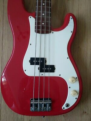Super Sounding 1994 Squire P Bass • 250£