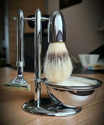Men's Shaving Set From BOOTS: Razor, Brush, Soap Dish And Stand; UNUSED • 6.50£