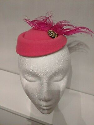 BRAND NEW Pink Feather Pillbox Hat Fascinator Clip Wedding Races • 2.10£