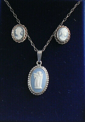 Wedgwood 1980s Blue Jasperware And Silver Necklace And Near Matching Cameo Studs • 30£