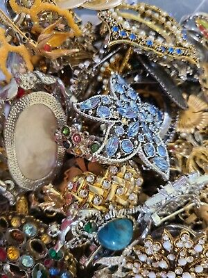 $ CDN65.79 • Buy Huge Lot 2 + Pounds LBS Vintage To Modern BROOCHES PENDANTS Costume Craft Repair