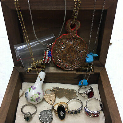 $ CDN1.30 • Buy Lot Of Vintage Estate Mixed Costume Jewelry