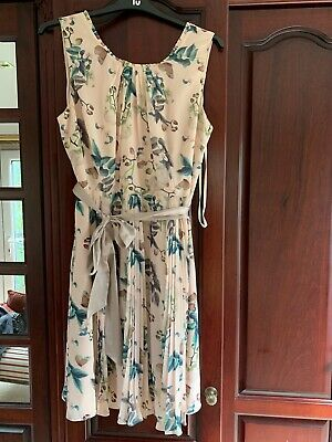 Cream Flowered Monsoon Dress Size 20 Fabric Covered Button Detail On The Back • 7£