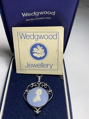 Year 1981 Wedgwood Jasper Ware Silver Necklace With Original Box And Hallmark • 42£