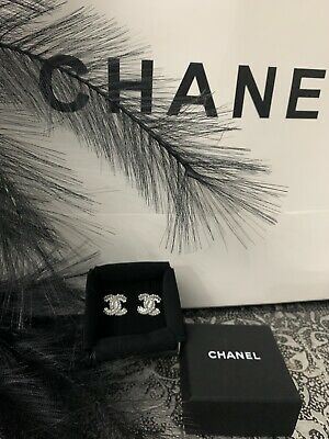 AU450 • Buy CHANEL Earrings
