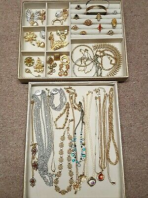 $ CDN74.85 • Buy HUGE VINTAGE LOT! 50+ SIGNED AVON! Brooches,Bracelets,Necklaces,Earrings,Rings