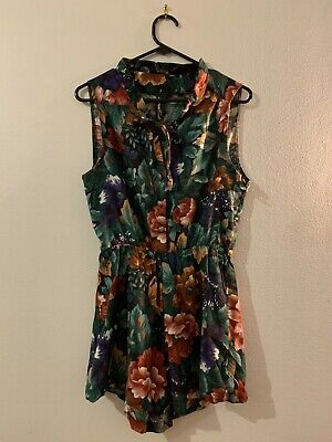 AU15 • Buy Urban Outfitters Floral Button Up Playsuit Size 8