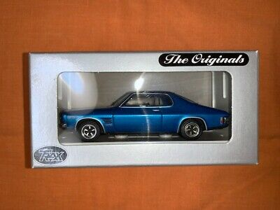 AU20 • Buy TRAX 1:43 Die Cast Model TR18D Blue And White HQ Holden Monaro GTS 350