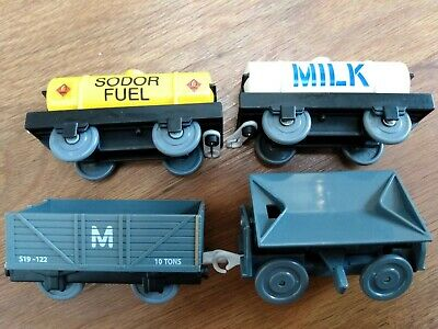 Thomas Tomy Trackmaster 4 X Wagons Sodor Fuel, Milk, Tipper, Troublesome Truck • 4.99£