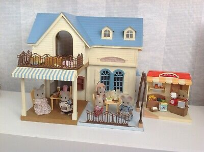 Sylvanian Family Decorated Courtyard Restaurant Fully Furnished & Figures • 110£