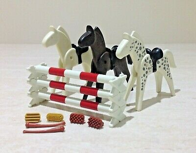 Playmobil Vintage Horses And Accessories For Stable/ Farm Sets     • 9.99£