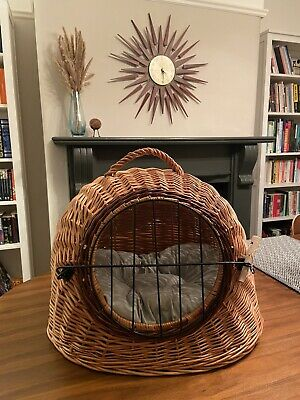 Prestige Wicker Woven Cat Carrier Basket Igloo Cave • 25£