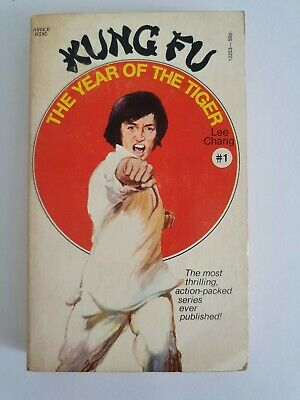 Kung Fu - The Year Of The Tiger  Lee Chang Books  • 8£