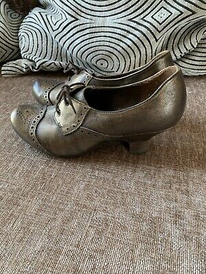 Ladies Clarks Shoes Size 5- Worn Once • 2.90£