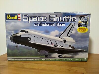 Revell 1/144 Space Shuttle W/ Historical Book • 15£