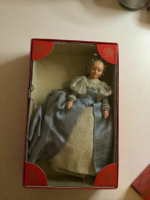 Peggy Nisbet, Mary Livingstone (Lady-in-waiting To Mary Queen Of Scots) 20cm  • 10£