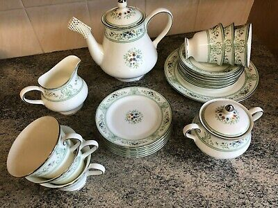 Wedgewood Bone China Tea Set Agincourt R4471 MINT CONDITION • 98£