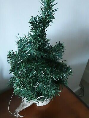 Small Table Top Christmas Tree • 2.50£