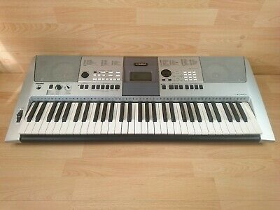 YAMAHA PSR-E413 Electronic Keyboard With 61 Full Size Keys In Silver  • 109.99£