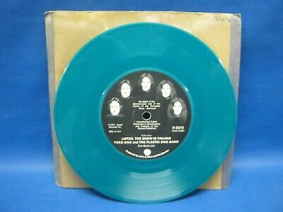 "Record 7"" SINGLE YOKO ONO THE PLASTIC ONO LISTEN THE SNOW IS FALLING Green 130 • 3.33£"