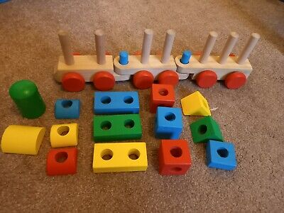 Melissa And Doug Stacking Wooden Train, Age 2+ • 3£