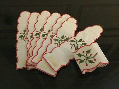 Christmas Linen Embroidered Napkin Rings X 8 • 5£