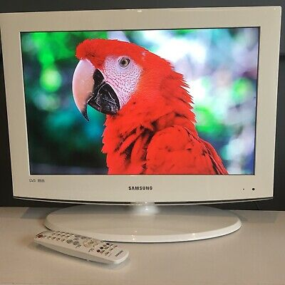 """White 22"""" Samsung HD TV With Freeview HDMI • 89.99£"""