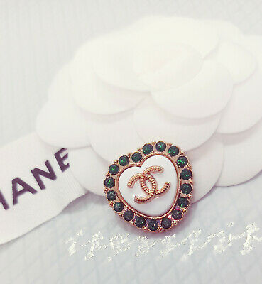 1x Genuine Chanel Stamped  Button (2). Vogue Essential Trend  Perfect Xmas Gift • 10.50£