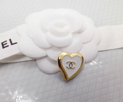 1x Genuine Chanel Stamped  Button  Vogue Essential Trend  Perfect Xmas Gift • 4.99£