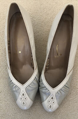 Ladies Equity Leather Court Shoes Size 6.5 Nude /Beige  • 5£
