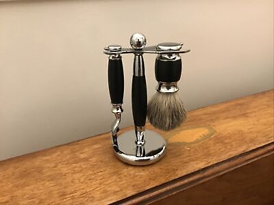Gentlemans Badger Shaving Brush And Razor Set With Stand • 9.99£