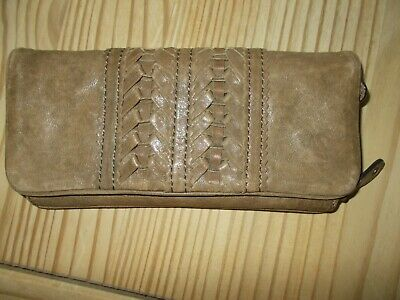 Ladies Large Distressed Brown LEATHER Purse Wallet From FOSSIL  • 4.99£