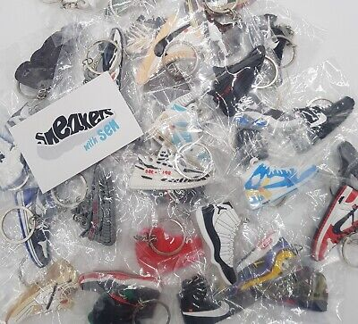 £1.50 • Buy Adidas Yeezy Sneaker/Trainer 2D Keyring - Multiple Variations + Colours!