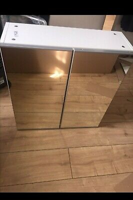 IKEA BATHROOM CABINET WITH MIRRORED DOORS - EXCELLENT CONDITION - 60 X 64 X 21cm • 35£