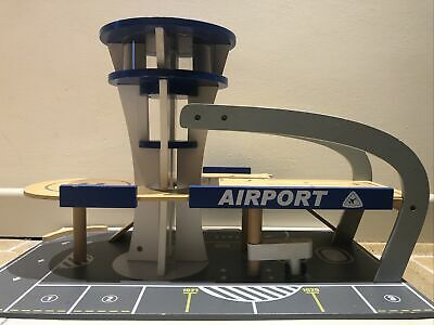 Wooden Toy Airport Car Park Ramps Helicopter Helipad Taxi-rank Control Tower • 19.99£