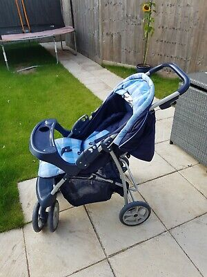 Graco Travel System - Pushchair And Car Seat • 25£